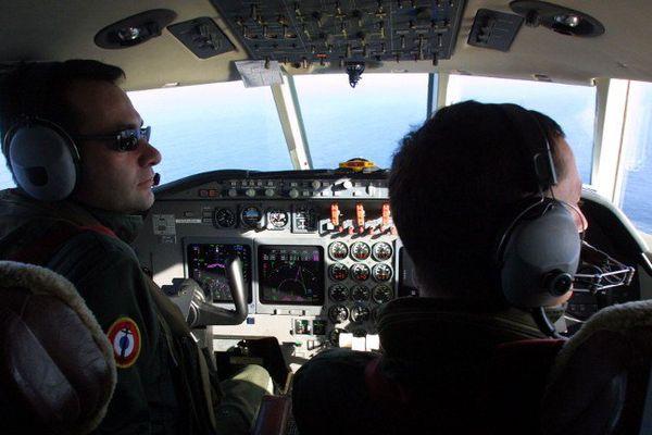 """ILLUSTRATION - Un avion """"Falcon 50"""" de la Marine nationale effectue un vol de surveillance en Méditerrannée"""