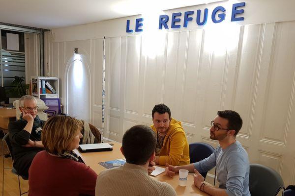"""L'association """"le refuge"""" existe grâce à une vingtaine de bénévoles qui interviennent aux côtés des jeunes"""