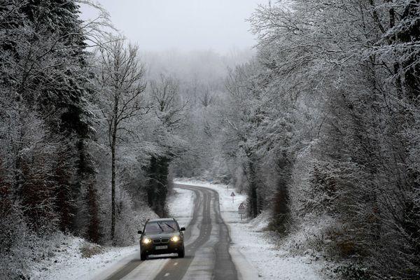 Neige dans les Monts du Jura (photos d'illustration)