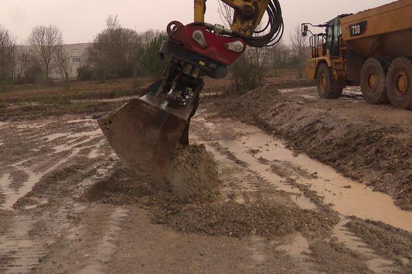 Les travaux dans le marais de Tasdon viennent tout juste de commencer et doivent s'achever en 2021.