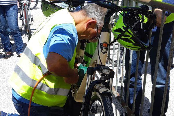 Marseille : graver les vélos pour lutter contre les vols