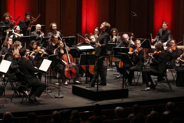 Le Cercle de l'harmonie et son chef Jérémie Rhorer sont accueillis en résidence au Grand Théâtre de Provence.