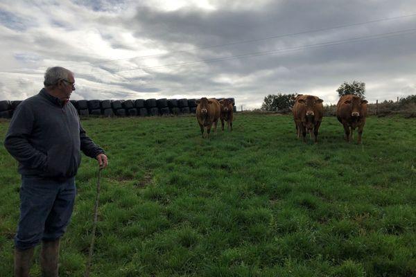 Alain Pimpin est éleveur bovin à Beynac. En 51 ans de métier, il n'a jamais loupé une édition du salon de l'agriculture.