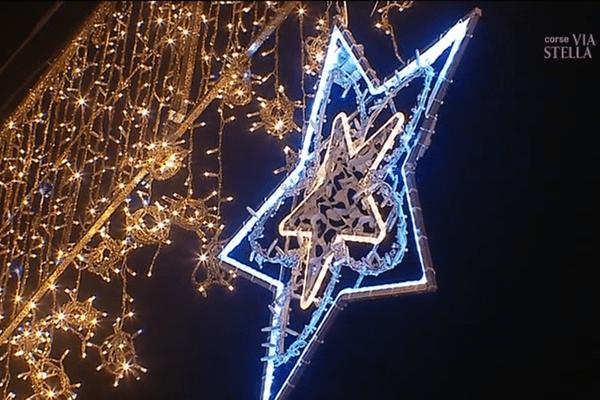 18/11/2017 - La ville de Bastia s'habille déjà aux couleurs de Noël!