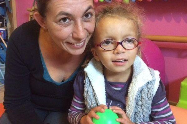 Aurore Reinette et sa fille Léonie, le mercredi 23 novembre 2016.