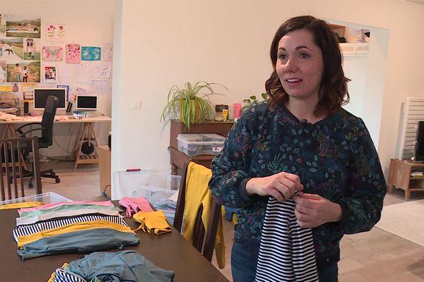 """""""Quand je suis arrivée en France,j'ai été surprise de voir que le vêtement évolutif était peu commercialisé"""", explique Cynthia Macameau."""