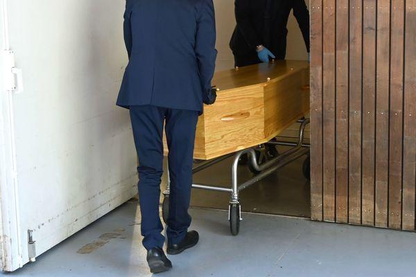 Un deuxième funérarium temporaire va accueillir les morts du coronavirus à Wissous.