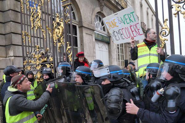 Près de 1000 personnes mobilisées à nancy, près de 600 à Metz pour la marche contre le climat ce 8 décembre.