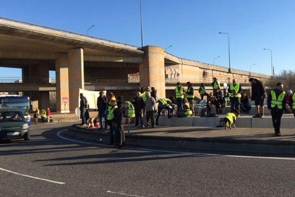 Les manifestants se sont rassemblés sur le rond-point de Langlade à Toulouse.
