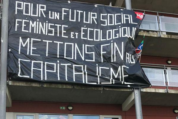 Des slogans pour pavoiser son balcon