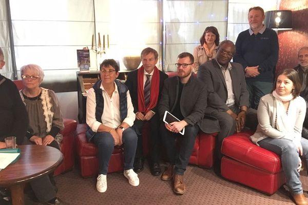Le collectif Ensemble Alençon 2020 comprend notamment Ahamada Dibo, le président de la communauté urbaine, et Joaquim Pueyo, député de l'Orne mais aussi ancien maire d'Alençon.