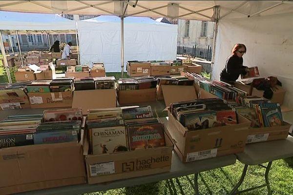 Au total, plus de 10 000 ouvrages seront vendus à petits prix, entre 1 et 10 euros