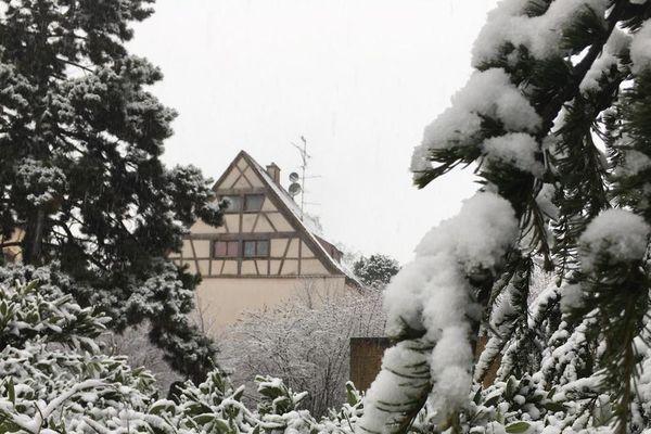 Il neige à Ensisheim.