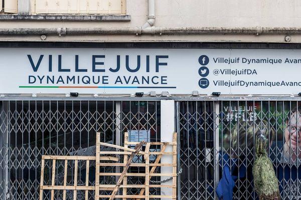 """Le local associatif du groupe politique du maire LR de Villejuif, """"Villejuif Dynamique avance"""", a été vandalisé dans la nuit du 27 au 28 décembre."""