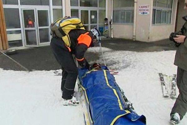Pendant les vacances scolaires entre 15 à 40 accidents de ski par jour à Gourette