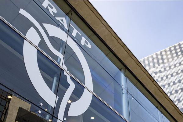 La RATP explique fournir depuis jeudi des kits de protection aux agents en contact avec le public : conducteurs, agents en station et services de sécurité (illustration).