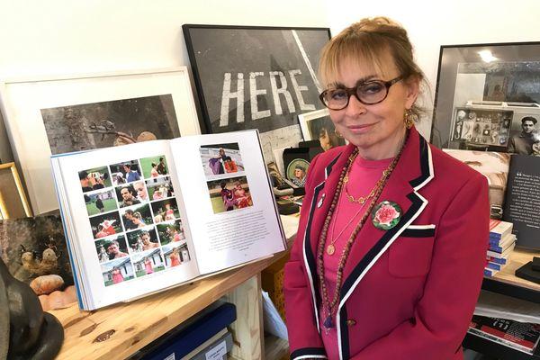 Rosalie Varda-Demy dans les locaux de Ciné-Tamaris à Paris