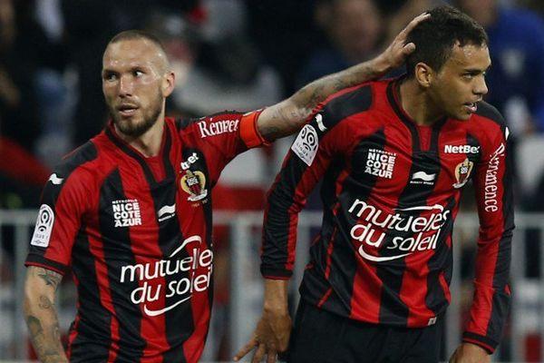 Carlos Eduardo (à droite) avec Didier Digard, toujours incertain pour ce match.