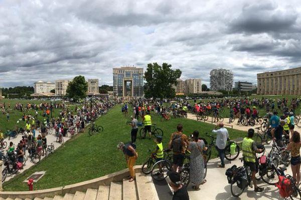 Cyclistes au point de convergence, place de l'Europe à Montpellier, le dimanche 6 juin 2021.