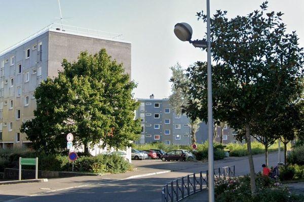La rue Pré Bourgeot, à Quetigny (Côte-d'Or) en août 2019.