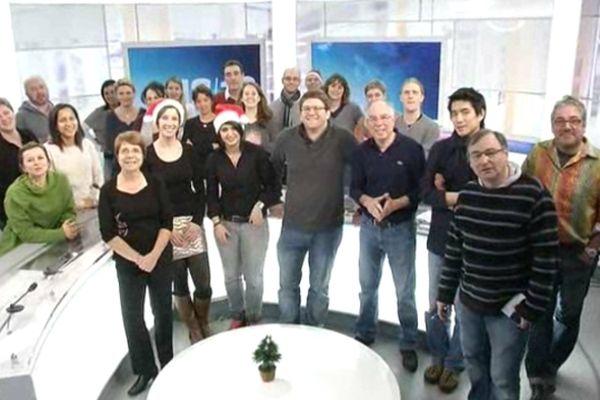 Le personnel de France 3 Picardie sur le plateau du journal télévisé