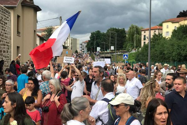 1200 personnes au Puy-en-velay