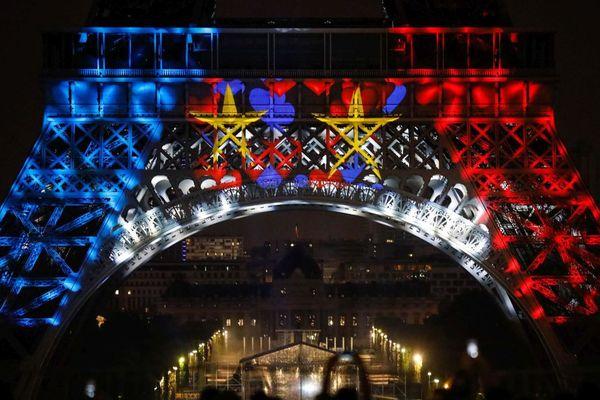 La tour Eiffel aux couleurs de la Coupe du monde de football MAXPPP