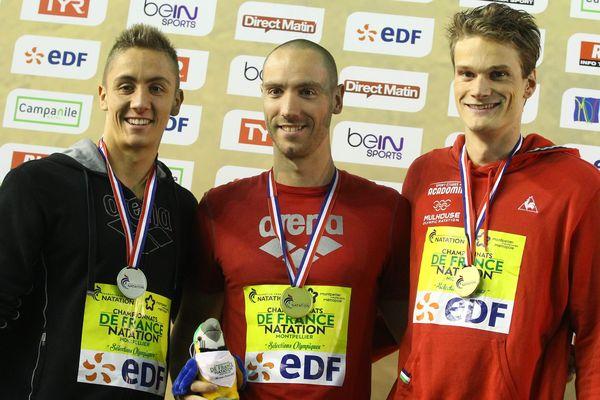 Le podium du 200m des Championnats de France de natation à Montpellier, avec Jeremy Stravius (Amiens) champion de France du 200m devant Jordan Pothain et Yannick Agnel.
