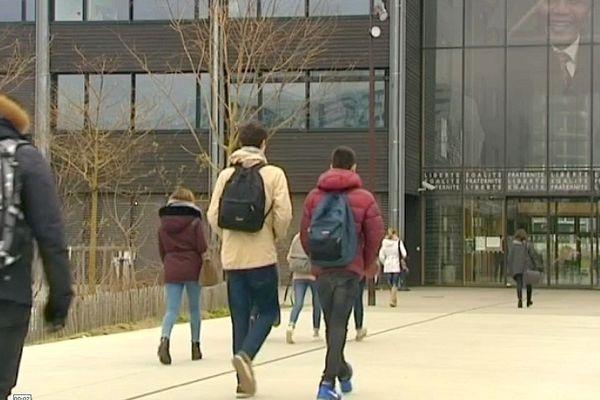 Les deux lycées viendront soulager l'agglomération nantaise qui gagne plus de 7000 nouveaux habitants chaque année