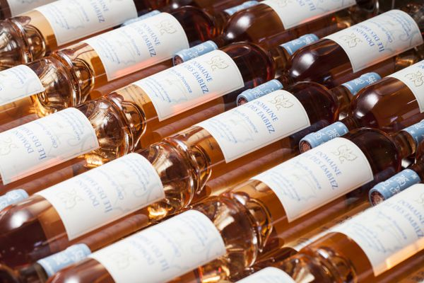 La production du domaine. Les vins rouge sont classés en IPG Pays du Var. Les rosés et les blancs en AOP Côte de Provence.
