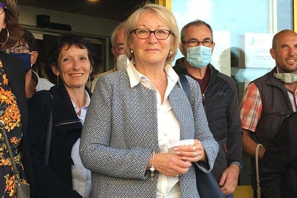 Jocelyne Poitevin savoure sa victoire. La candidate de la droite remporte la mairie de Douarnenez face à la gauche