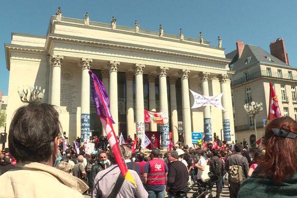 Le rendez-vous avait été donné devant l'opéra Graslin lieu de mobilisation du monde culturel nantais depuis le 10 mars.