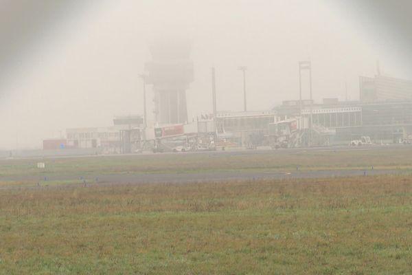 L'aéroport de Montpellier sous un épais brouillard le 27 janvier 2020