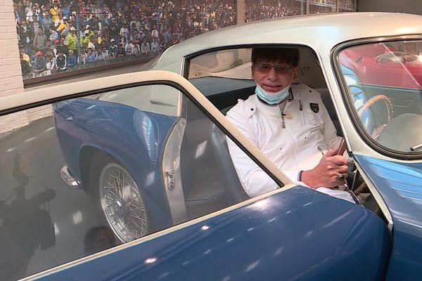Patrick-Edouard Bloch au volant de la Ferrari que lui a offert son père et qui est désormais exposée à la Cité de l'Automobile de Mulhouse.