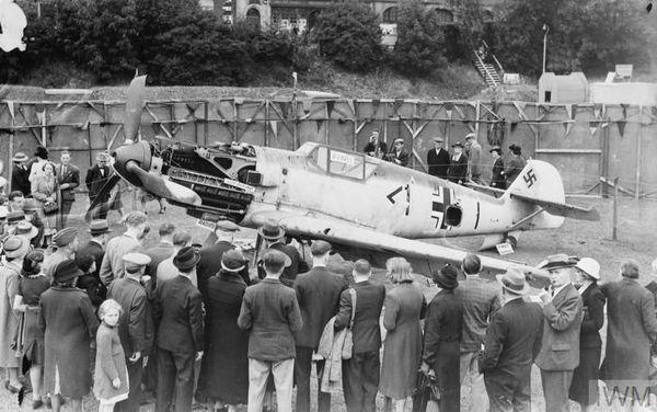 Le Messerschmitt de Werner Bartels exposé à Croydon.
