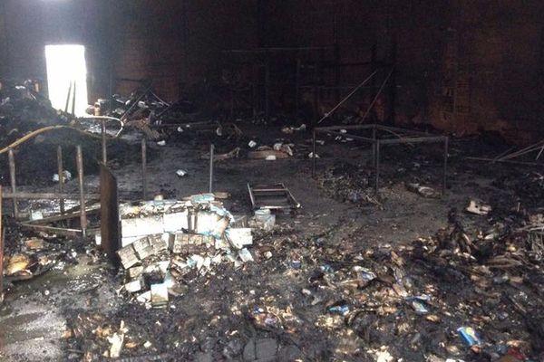 Incendie dans le hangar interasso à Grande-Synthe.