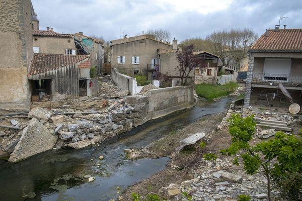 Villegailhenc, dans l'Aude, un village coupé en deux par les inondations
