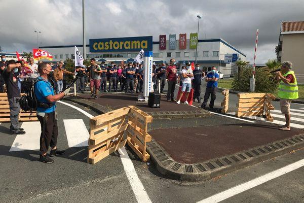 La quasi totalité des magasins Castorama ont suivi le mouvement de grève de l'intersydicale.