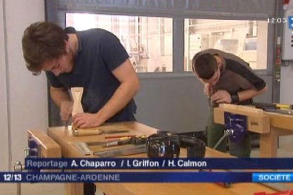 Le nouveau bâtiment permet aux Compagnons du Devoir de former encore mieux les élèves qui se destinent aux métiers du bois.