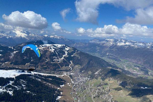 Un paysage idyllique et une vue imprenable sur les cimes enneigées des Alpes du nord: le quotidien de Flavio Funiati pendant quatre jours en ce mois d'avril 2021.