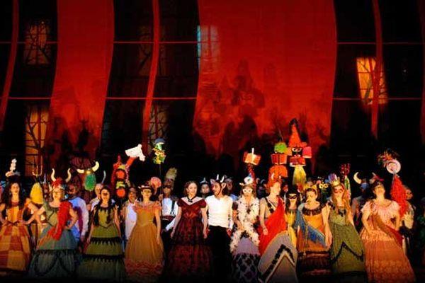 La Traviata - Direction musicale Gérard Korsten - Mise en scène Klaus Michael Grüber - Collaboration artistique et réalisation de la mise en scène Ellen Hammer - Opéra de Lyoon