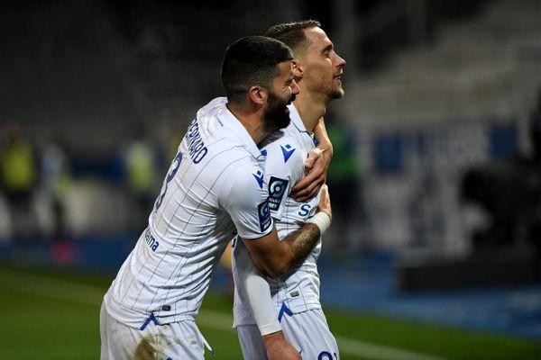 En l'absence de Mickaël Le Bihan, Rémy Dugimont, Quentin Bernard (ici le 18 décembre face à Pau) et les Auxerrois n'ont pas eu de mal à rapporter 3 points à domicile face à Châteauroux.