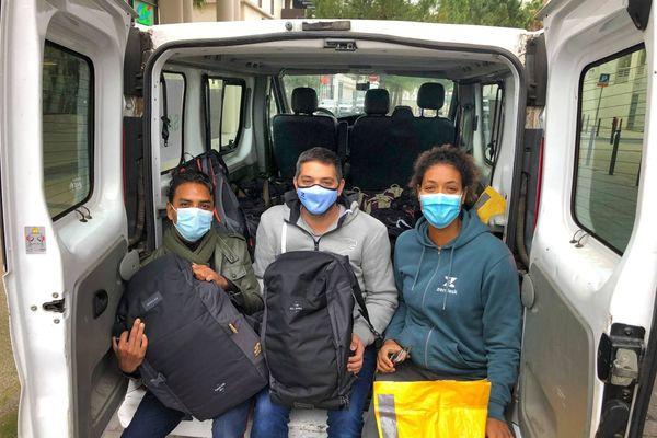 L'équipe Sakado du site de Montpellier a distribué 27 sacs à dos et 10Kgs de croquette pour les compagnons des sans abri.