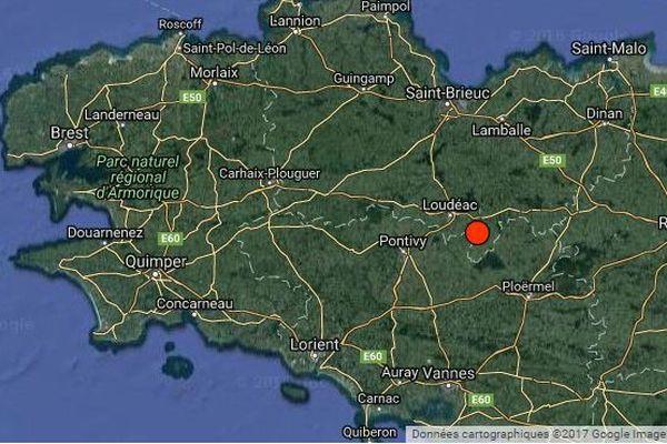 Le Réseau National de surveillance sismique a localisé l'épicentre du séisme à 14km au sud-est de Loudéac