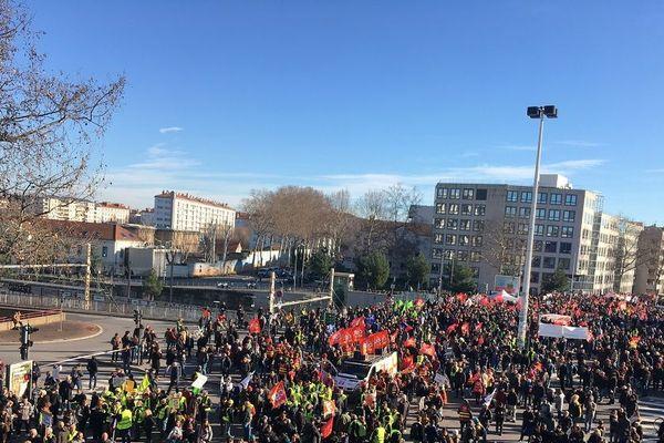 Mobilisation contre la réforme des retraites à Lyon. Les manifestants devaient quitter la Manufacture des Tabacs à 11h30. ARCHIVES 9/1/20