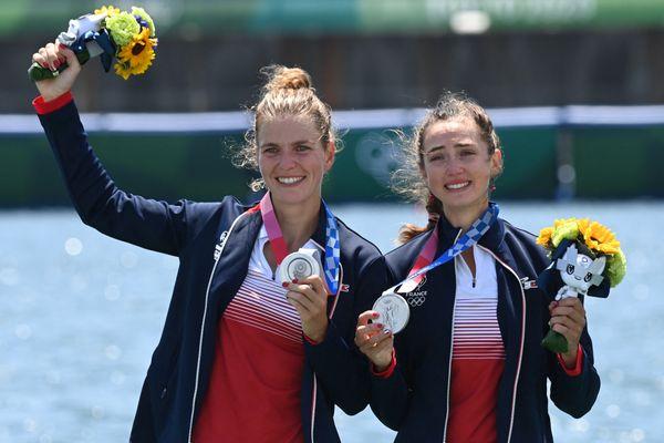 Claire Bové et Laura Tarantola, les filles du deux de couple poids légers, sont devenues vice-championnes olympiques d'aviron aux JO de Tokyo le 28 juillet 2021.