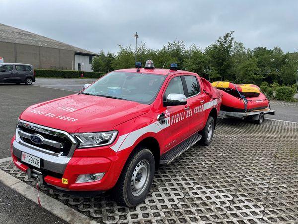 Au point de rassemblement des secours et des victimes de Seuraing près de Liège, les 34 pompiers du Nord retrouvent des homologues venus d'Italie ou des Pays-Bas.