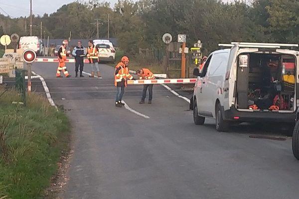 À Noyal (Côtes-d'Armor), une collision entre un TGV et une voiture a fait un mort.