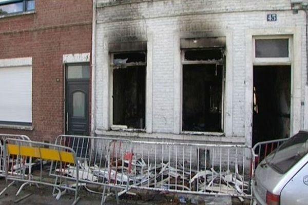 L'occupant de cette maison n'a pas survécu à l'incendie.