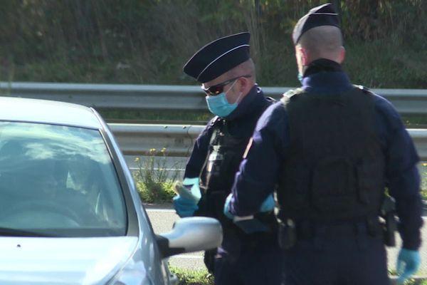 Après un week-end de la Toussaint sous le signe de la tolérance, la Police verbalise davantage les irrégularités d'attestations.